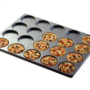 """Пан с круглыми формами для пиццы и фокачча. Производитель """"Errepan""""."""